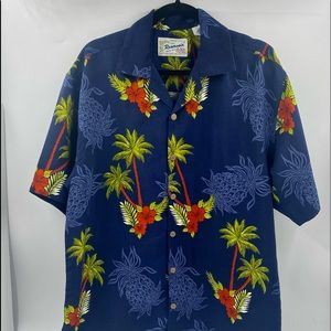 Hawaiian Camp Shirt Reservoir Worldwide- Pineapple- Size M EXCELLENT CONDITION